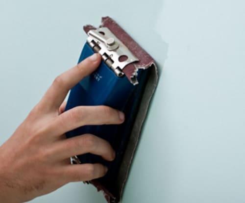 Đánh giấy giáp vệ sinh bảo dưỡng bề mặt tường